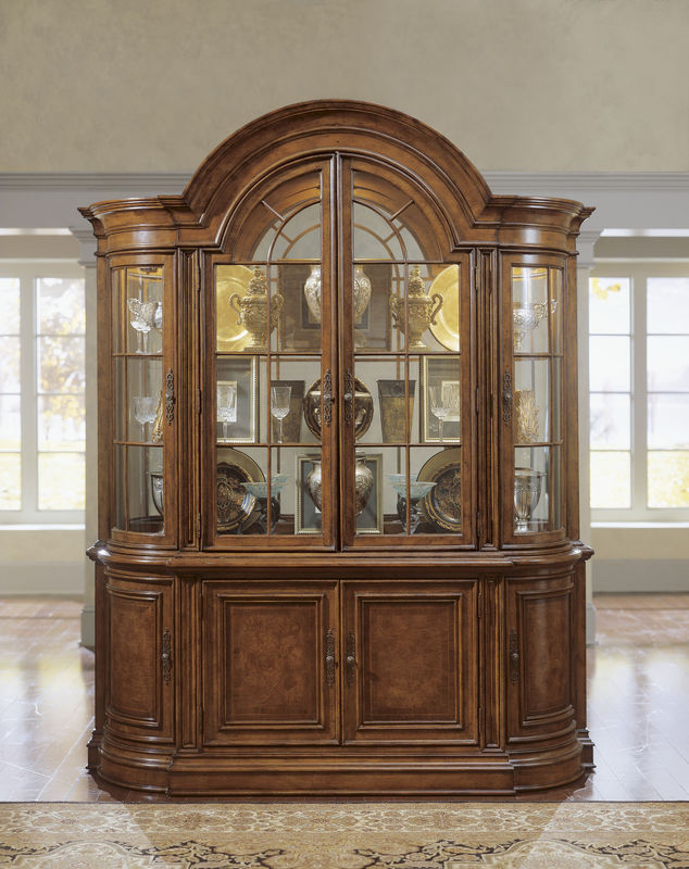 Wynwood Dining Room Furniture: Universal Furniture Villa Cortina Dining Room Collection