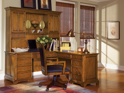 Wynwood Halton Hills Office Collection