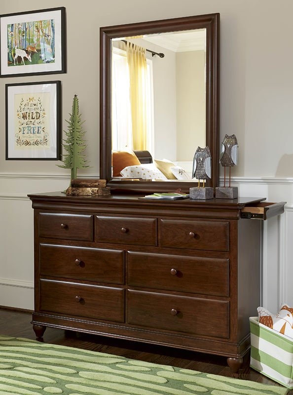 Smartstuff by Universal Classics 4.0 Bedroom Collection in Cherry Finish-6909