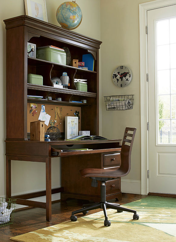 Smartstuff by Universal Classics 4.0 Bedroom Collection in Cherry Finish-6911