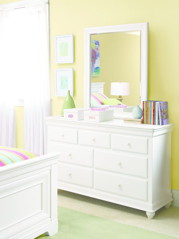 Smartstuff by Universal Classics 4.0 Bedroom Collection in Summer White Finish-6866