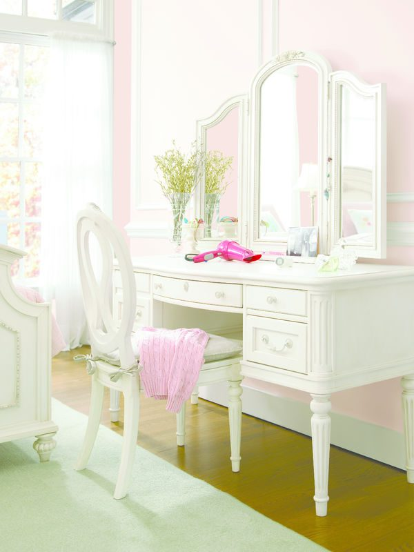 Smartstuff by Universal Gabriella Bedroom Collection-6980
