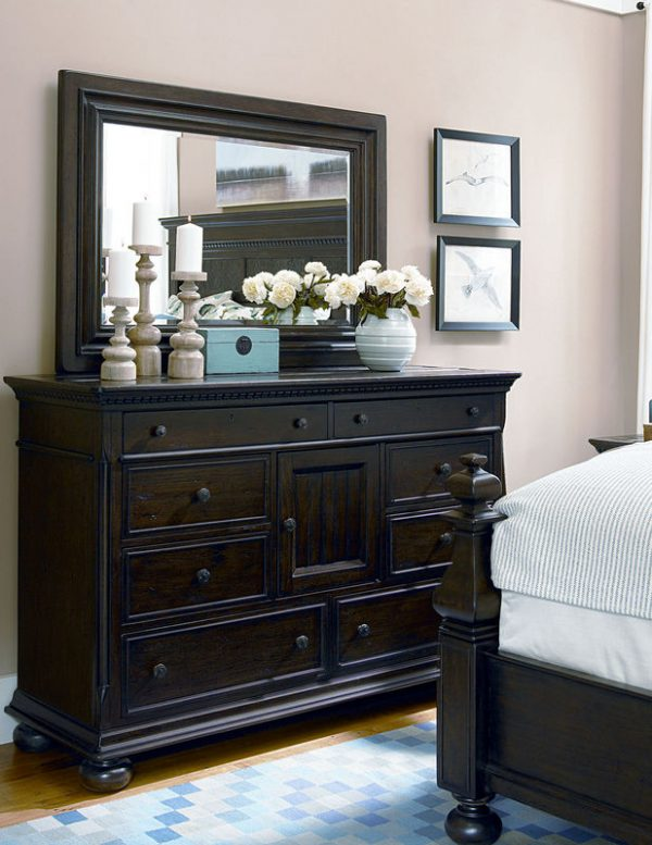Universal Furniture Down Home Bedroom with Aunt Peggy's Bed in Molasses Finish by Paula Deen Home-7123