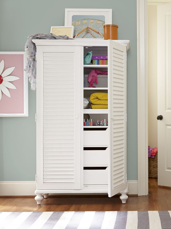 Smartstuff by Universal Black and White Bedroom Collection in White Finish-6821