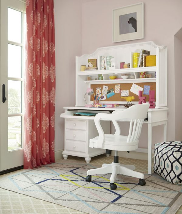 Smartstuff by Universal Black and White Bedroom Collection in White Finish-6827