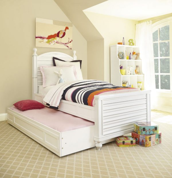 Smartstuff by Universal Black and White Bedroom Collection in White Finish-6820
