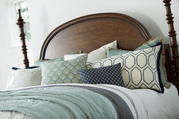 Universal Furniture Paula Deen Home Dogwood Bedroom Collection-7252