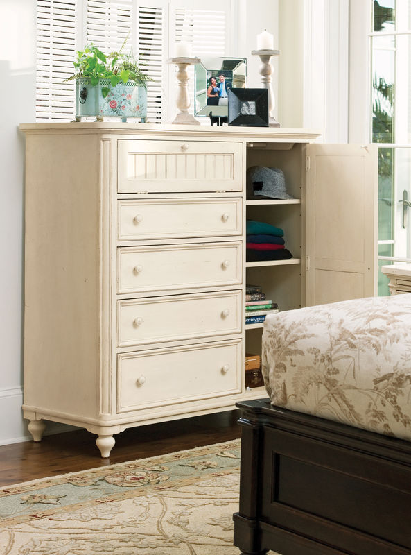Universal Furniture Paula Deen Home Bedroom Collection with Steel Magnolia Bed-7179