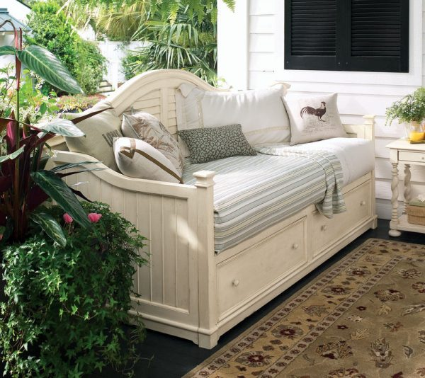 Universal Furniture Paula Deen Home Bedroom Collection with Day Bed-0