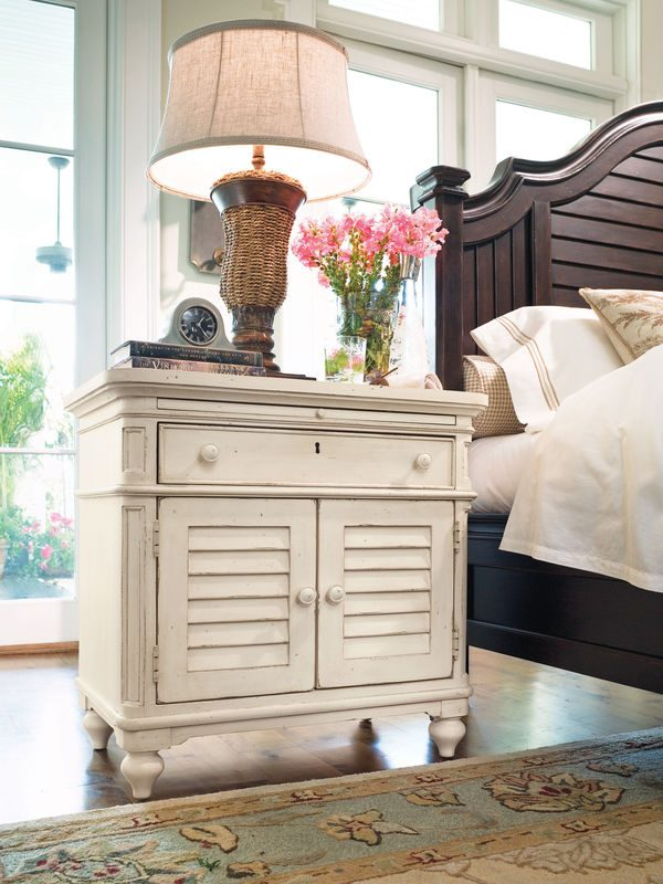 Universal Furniture Paula Deen Home Bedroom Collection with Steel Magnolia Bed-7178