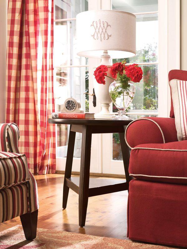 Universal Furniture Paula Deen Home Accent Furniture in Tobacco Finish-7686