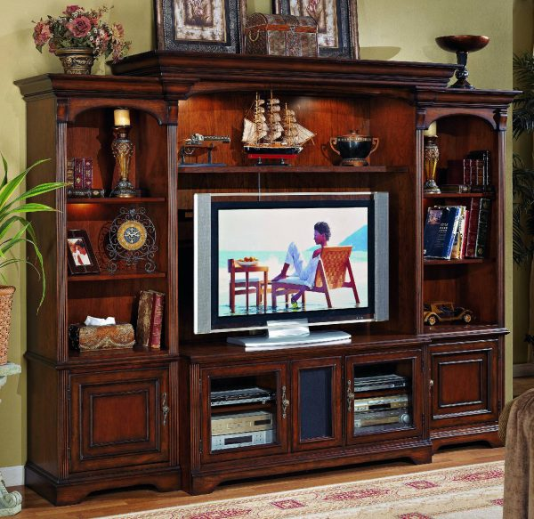 Hooker Furniture Brookhaven Entertainment Wall Group-9738