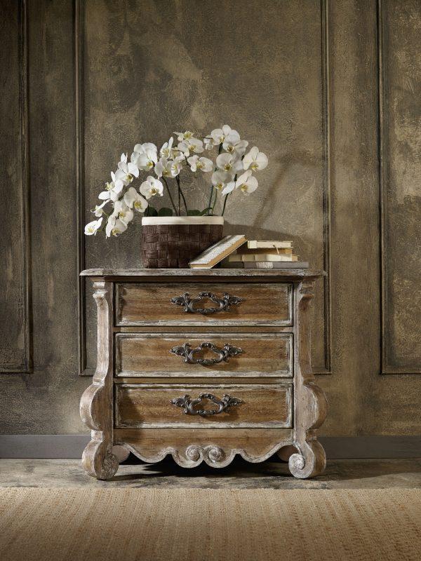 Hooker Furniture Chatelet Bedroom with Upholstered Mantle Bed-8916