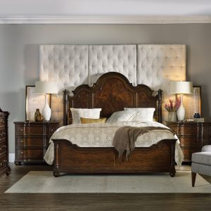 Hooker Furniture Leesburg Bedroom Collection with Poster Bed-0