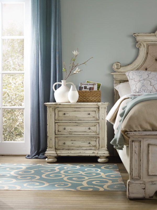 Hooker Furniture Sanctuary Bedroom Collection Vintage White Finish-8688