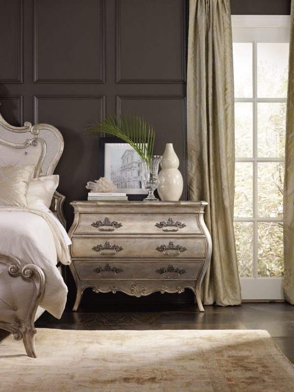 Hooker Furniture Sanctuary Bedroom with Mirrored Upholstered Bed-8697