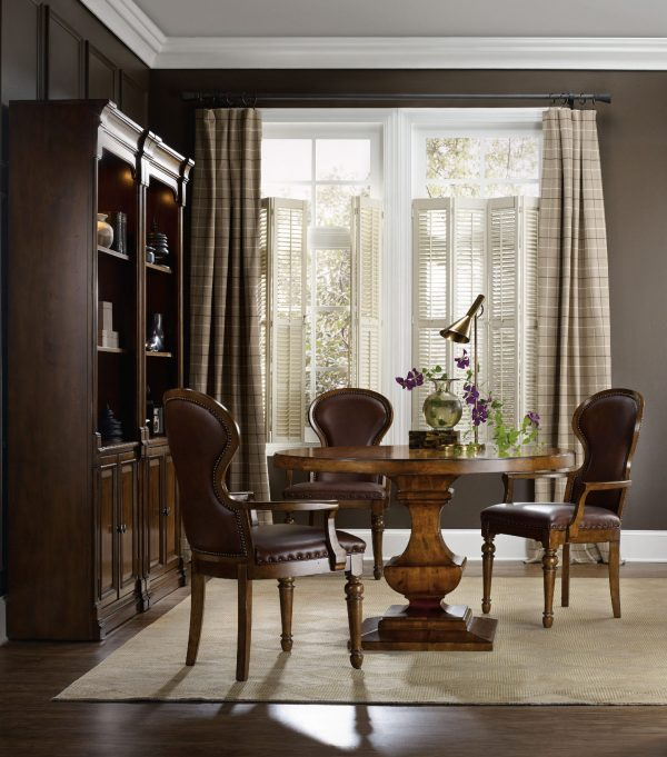 Hooker Furniture Tynecastle Dining Room with Pedestal Table-9676
