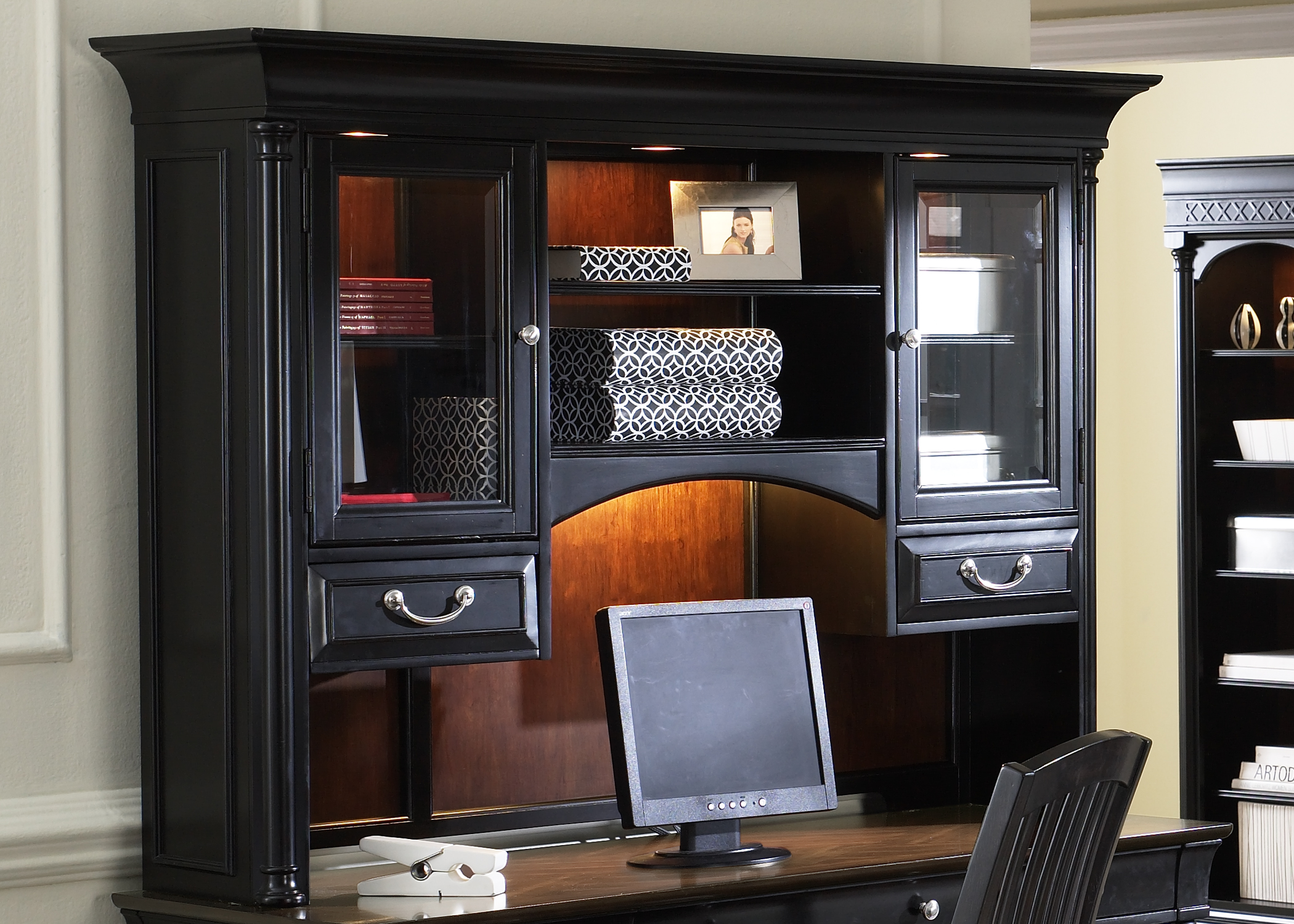 Liberty Furniture St Ives Jr Executive Home Office