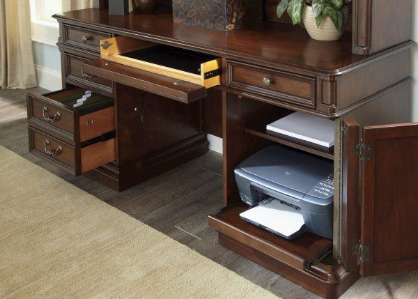 Liberty Furniture Brayton Manor Jr. Executive Home Office Collection