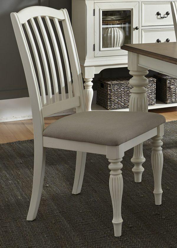 Liberty Furniture Cumberland Creek Pedestal Table Set