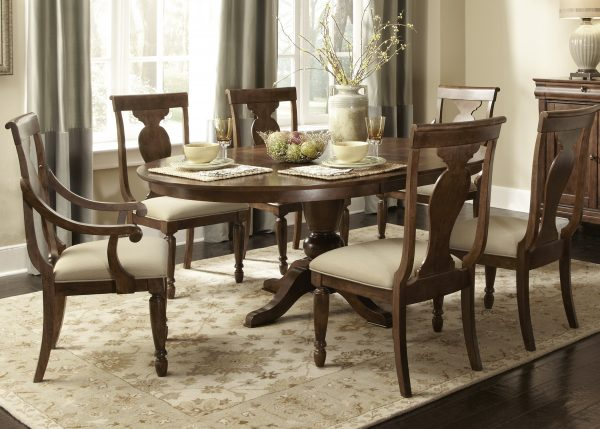 Liberty Furniture Rustic Tradition Dining Room with Oval Table