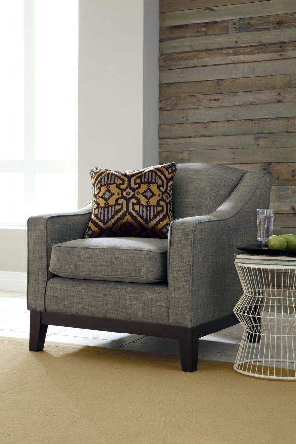 Best Home Furnishings Ernelin Club Chair-0